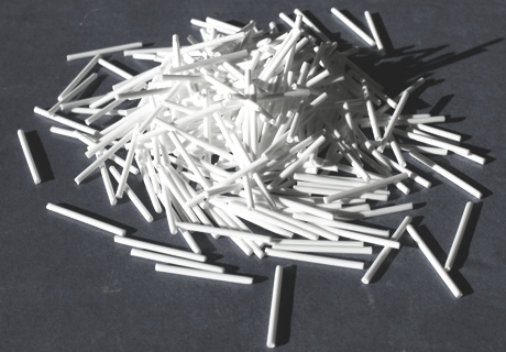 Tileasy spacer pegs are available in quantities of 500 and 1000